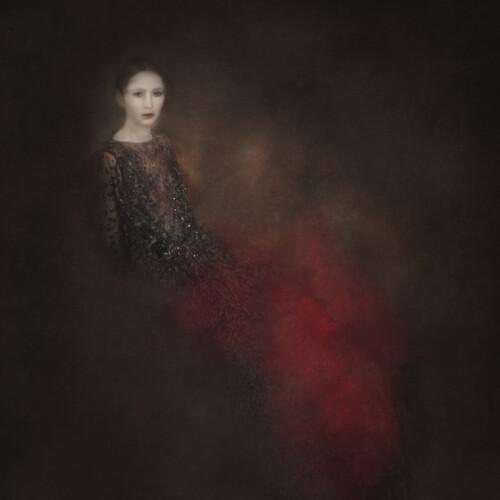 La Robe Rouge 8